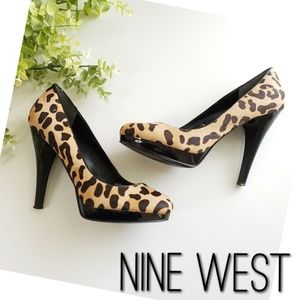 NINE WEST leopard & patent leather pony hair heel